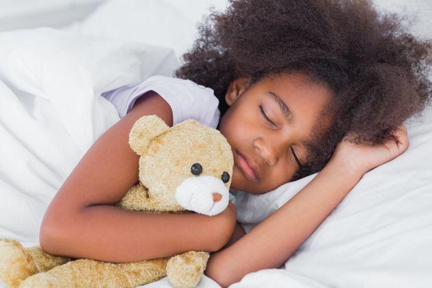 Por que os cochilos diurnos são tão importantes para crianças em idade