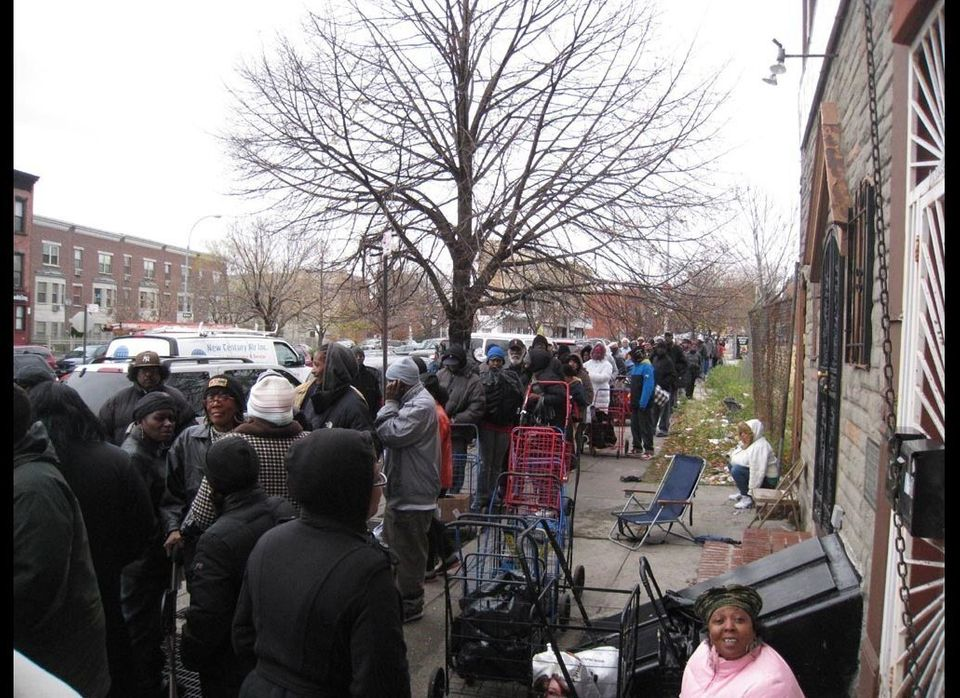 "<a href=""http://www.projectoatmeal.org/"" target=""_hplink"">Participants in this program stood in a line that wrapped around th"