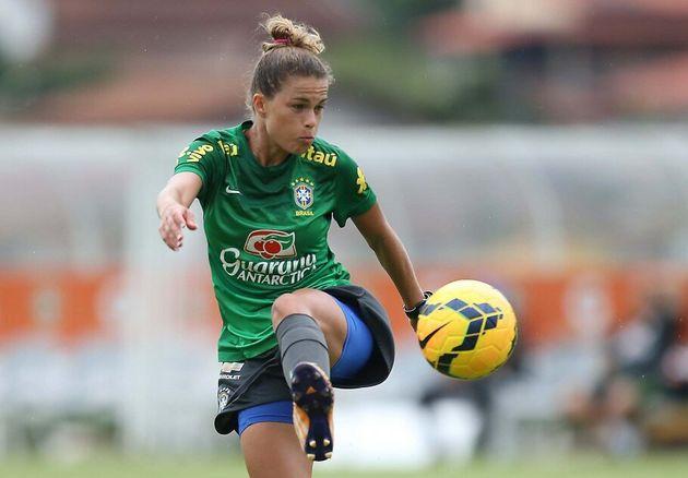 Atualmente ela joga pelo Fortuna Hjørring, da Dinamarca e esta será sua segunda Copa com...