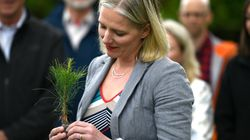 Feds Promise To Save Ontario Tree-Planting Program Cut By Ford