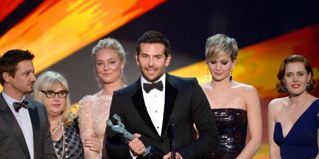 LOS ANGELES, CA - JANUARY 18:  (L-R) Actors Jeremy Renner, Elisabeth Rohm, Bradley Cooper, Jennifer Lawrence and Amy Adams ac