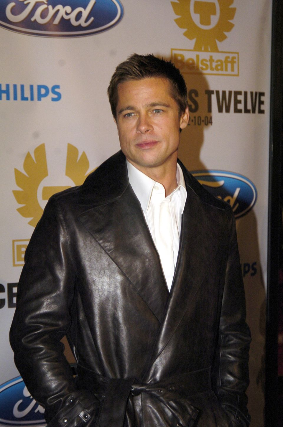 Brad Pitt during Ocean's Twelve Los Angeles Premiere - Arrivals at Grauman's Chineese Theater in Los Angeles, California, Uni