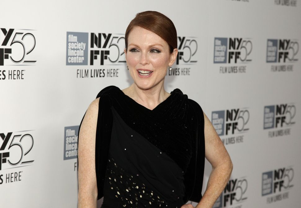 David Cronenberg's dark Hollywood satire is too nutty to register with Oscar voters, but Julianne Moore should be the one exc