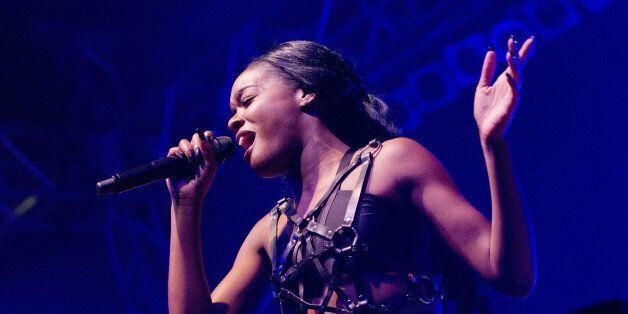 banks singer live