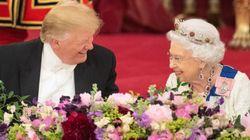 ¿Qué ves en esta imagen? Existe la teoría de que la reina de Inglaterra se estaba burlando de Trump sin que él lo