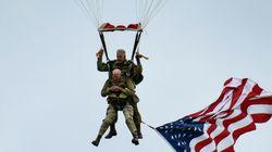 À 97 ans, un vétéran refait son saut du débarquement de