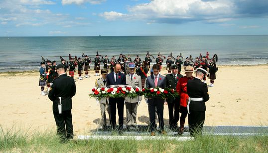 D-Day Tributes Bring Thousands Of Canadians Together On Juno