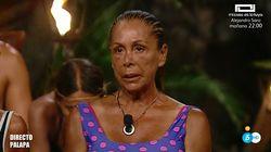 Isabel Pantoja interrumpe la gala de 'Supervivientes' entre lágrimas: