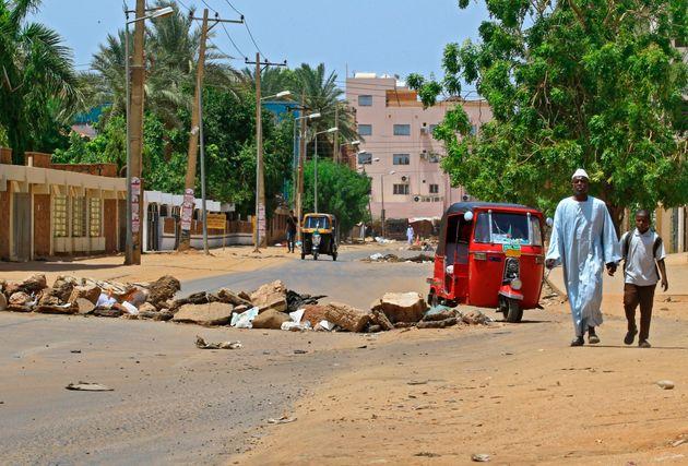 Soudan: des habitants décrivent la peur, les autorités minorent la