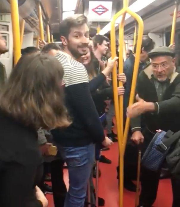 El vídeo más surrealista del metro de Madrid supera los 23 millones de reproducciones: esta es la historia...