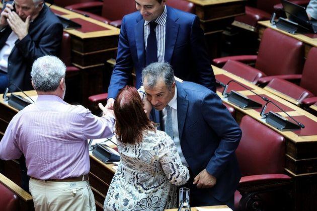Η τελευταία ομιλία του Σταύρου Θεοδωράκη στη Βουλή: «Αποχαιρετώ