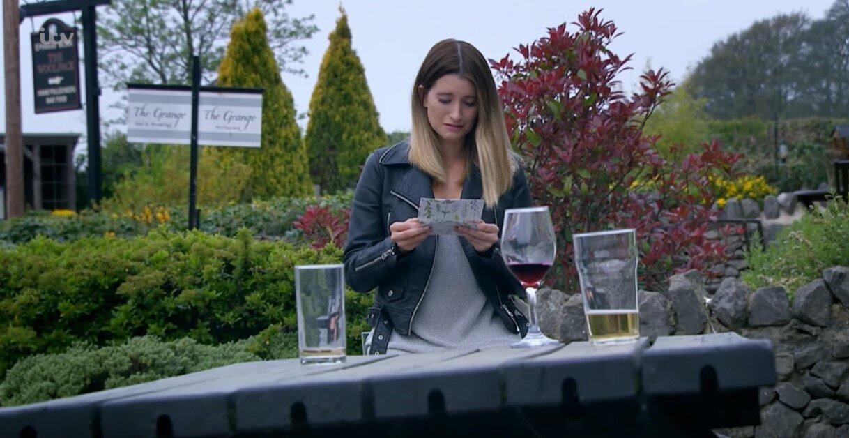Debbie Dingle read an emotional letter left for her by Lisa Dingle on last night's episode (ITV)