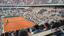 À Roland, les sièges vides pour le début de Nadal-Federer ont outré les fans de