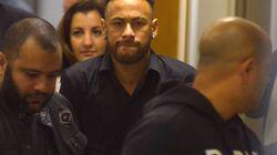 Após prestar depoimento, Neymar agradece mensagens de fãs e diz que se sentiu muito