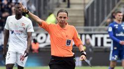 L'arbitre Stéphanie Frappart promue en Ligue 1 la saison