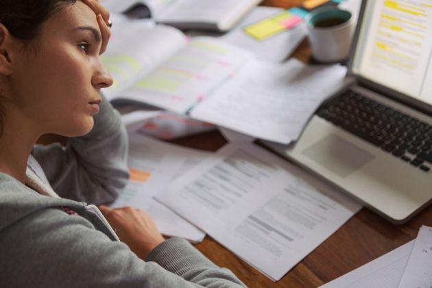 Πέντε σημάδια που δείχνουν ότι έχετε πάθει burnout από τη δουλειά που
