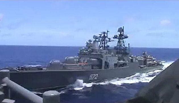Επεισόδιο μεταξύ ρωσικού και αμερικανικού πολεμικού στη Θάλασσα Ανατολικής