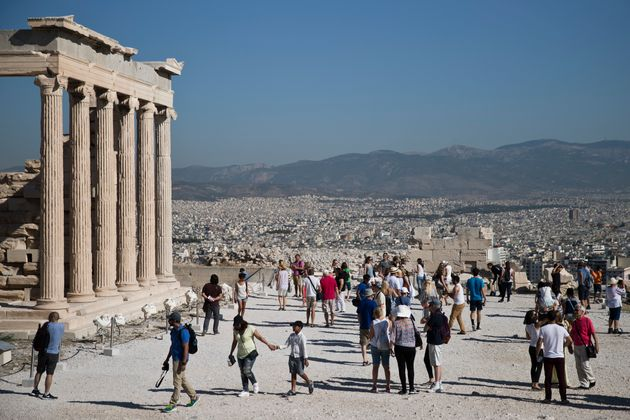 Αρχαιοφύλακες: Κινήσεις πανικού και εντυπωσιασμού οι καρατομήσεις για το αναβατόριο της