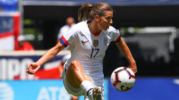 HARRISON, NJ - MAY 26:  United States of America midfielder Tobin Heath (17) controls the ball during the 1st half of the  International Friendly match the U.S. Women's National Team and Mexico as part of the Send Off Series prior to the FIFA Women's World Cup at Red Bull Arena on May 26 2019 in Harrison, NJ, USA.  (Photo by Rich Graessle/Icon Sportswire via Getty Images)