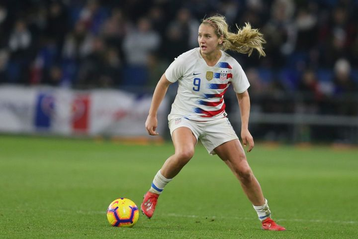 Midfielder Lindsey Horan could establish herself as one of women's soccer's true superstars this summer in France.