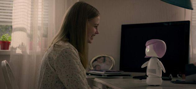 'Black Mirror': Nova temporada volta às origens, mas não