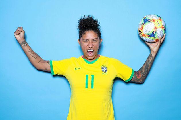 Natural de Osasco (SP), ela é a jogadora que forma o trio estrelado ao lado de Marta e