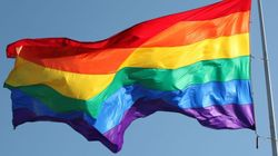 Trump interdit les drapeaux LGBT sur ses ambassades pour le mois des