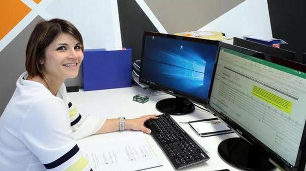 Resta incinta a fine tirocinio: l'azienda la assume a tempo