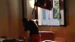 Studenti di Mantova lanciano banco da finestra e pubblicano il