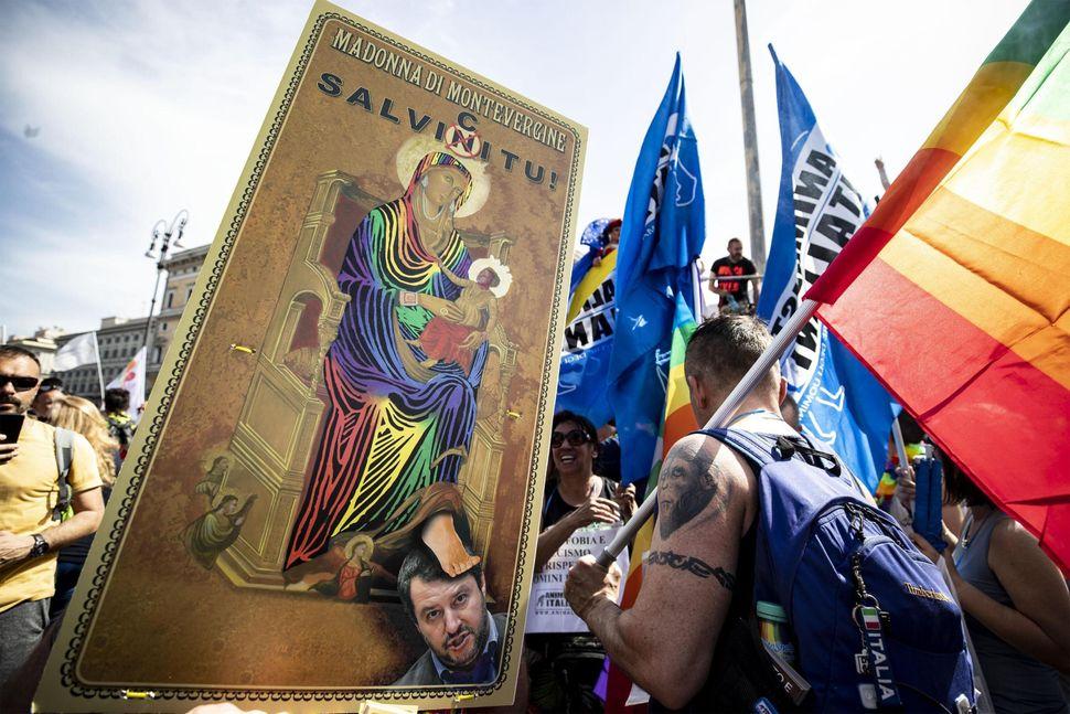 Pride and Prejudice. Dall'orgoglio del Roma Pride al pregiudizio dell'Agaynst
