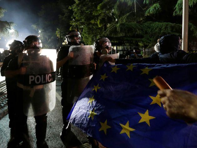 Aκύρωση των δημοτικών εκλογών στην Αλβανία λόγω της έντασης που επικρατεί στη
