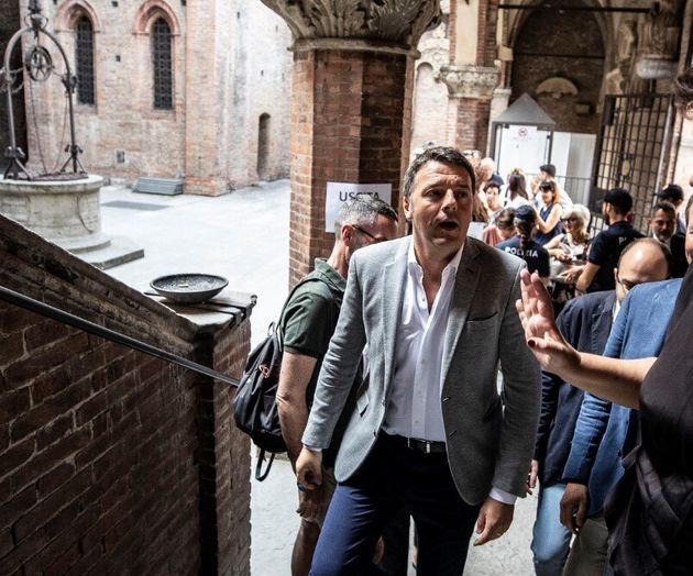 Matteo Renzi dice no al suo partito, ma avverte il Pd: