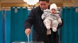Les Kazakhs votent pour remplacer l'ex-président Nazarbaïev, démissionnaire en mars