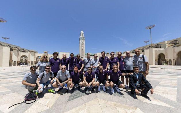 Pour un match de gala, d'anciennes gloires du FC Barcelone rendent hommage à Ahmed