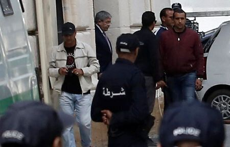 Ahmed Ouyahia de nouveau devant les