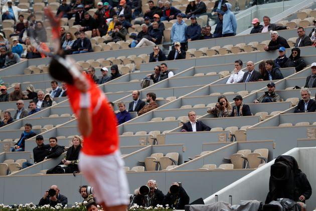 Pour la demi-finale hommes entre Novak Djokovic et Dominic Thiem le samedi 8 juin, les sièges...