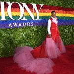 Billy Porter Rocks Uterus-Patterned Gown At The 2019 Tony
