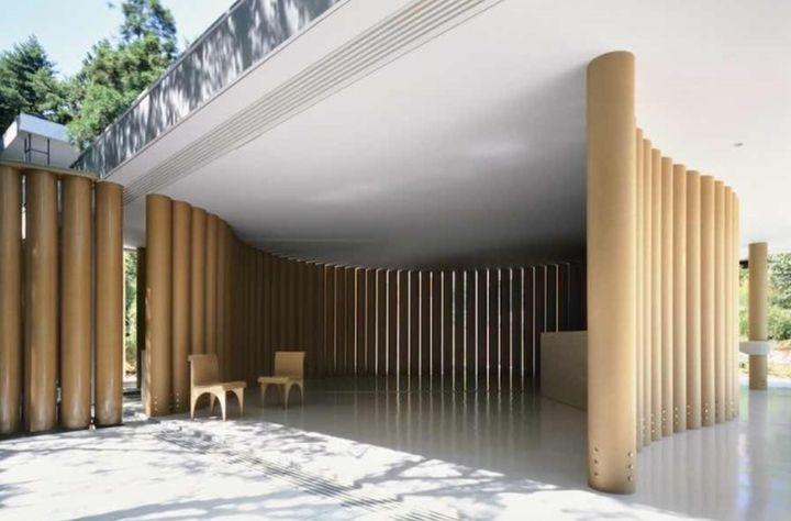 종이 건축의 시발점이 된 '종이의 집'