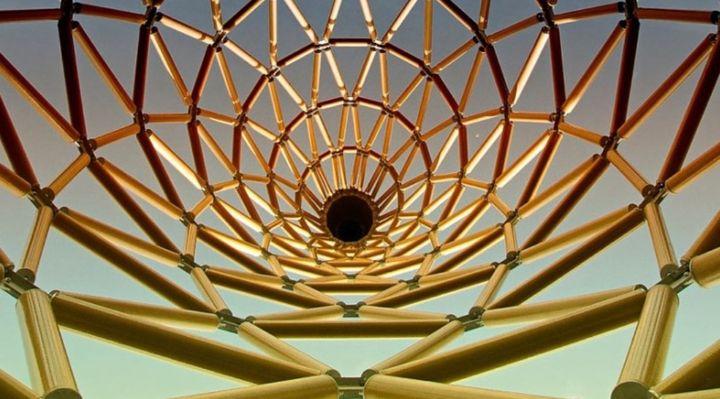 지관과 조인트로 이루어진 종이 건축의 구조