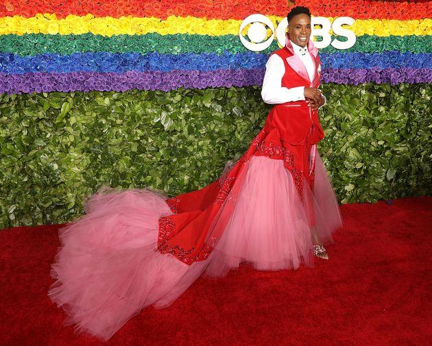 """今度はトニー賞で""""子宮ドレス""""。ビリー・ポーターの装いが、再び話題をさらう"""