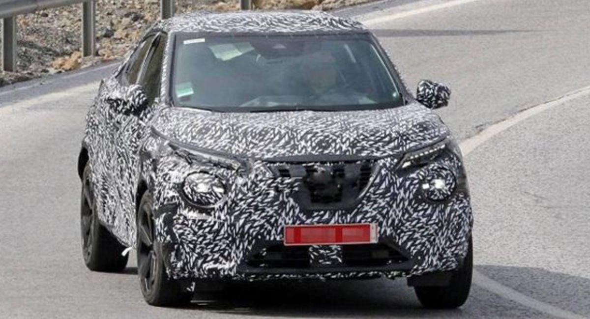 據外媒新消息表示,新一代 Nissan Juke 將會出現 1.6 升引擎+電池模組的插電式 PHV 車型,此為新 Juke 測試車。