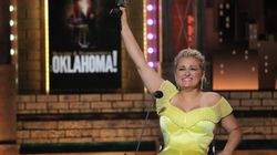 El emocionante discurso de Ali Stroker, la primera actriz en silla de ruedas en ganar un