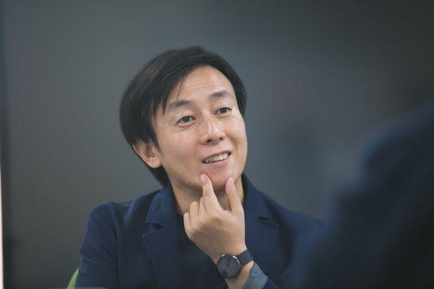 青野慶久(あおの・よしひさ)。1971年生まれ。大阪大学工学部情報システム工学科卒業後、松下電工(現
