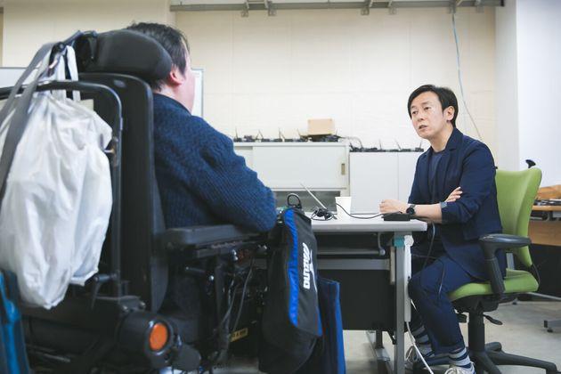 熊谷晋一郎さん(左)、青野慶久さん(右)