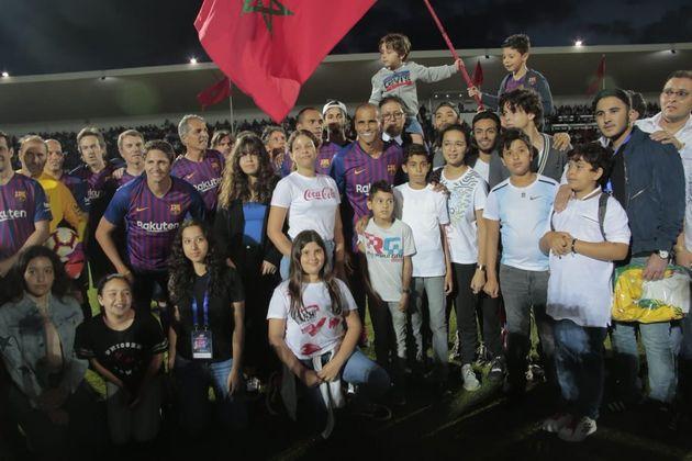 Pour un match gala en hommage à Ahmed Faras, les légendes du FC Barcelone et les stars du football national...