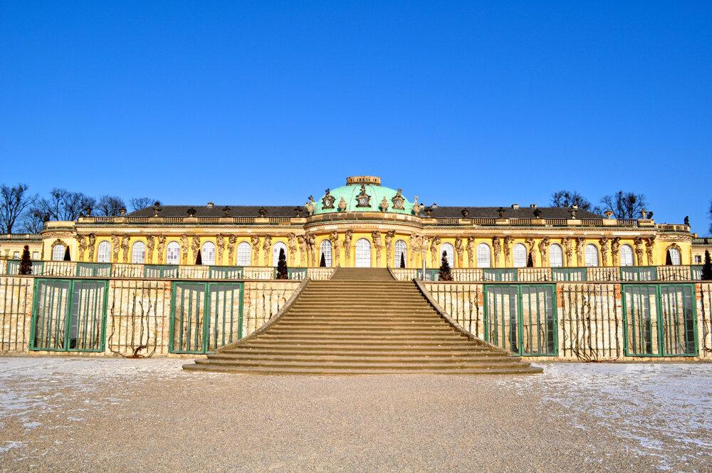 維也納代表性景點「熊布朗宮」,是僅次於凡爾賽宮的第二大宮殿。(圖/長汎假期)