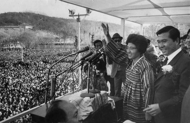 여성 운동가, 민주화 투사, 평화 전도사였던 이희호의