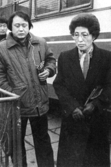 1980년 5월17일 밤 김대중과 큰아들 홍일, 비서들이 줄줄이 연행된 이후 이희호는 생사조차 모른 채 동교동 집에 갇혀 오로지 기도만으로 버텨야 했다. 사진은 그해 9월에야 중앙정보부에서...