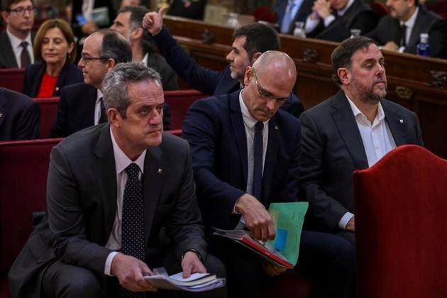 Forn, Romeva y Junqueras, en el banquillo de los acusados del Tribunal