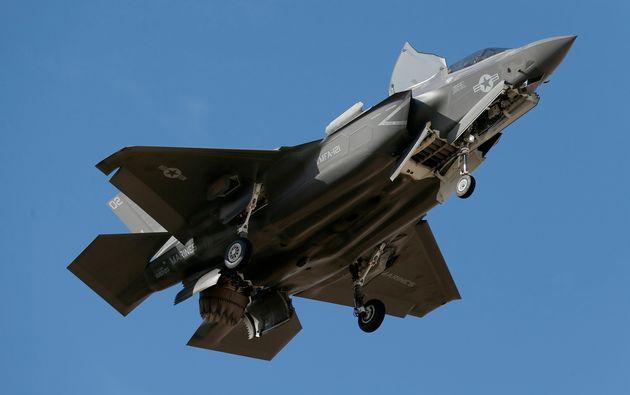 S-400 «εναντίον» F-35: Στα όριά της η διελκυστίνδα ΗΠΑ-